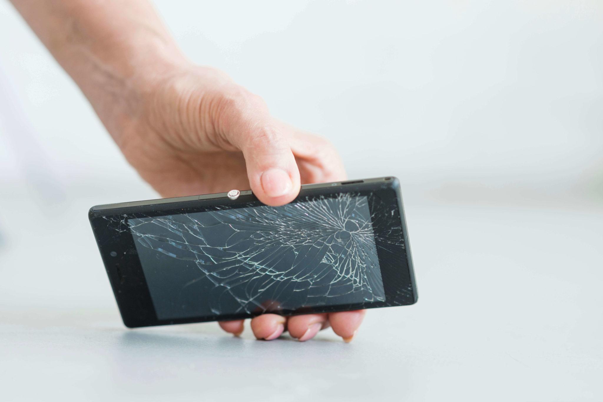 Vale la pena reparar la pantalla del móvil